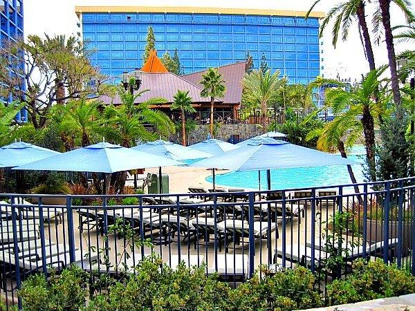 Disneyland Hotel 7