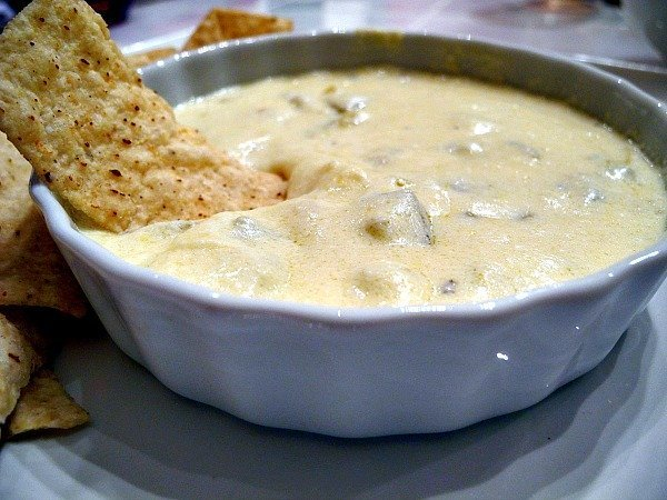 White-Gold-Queso-Dip-1