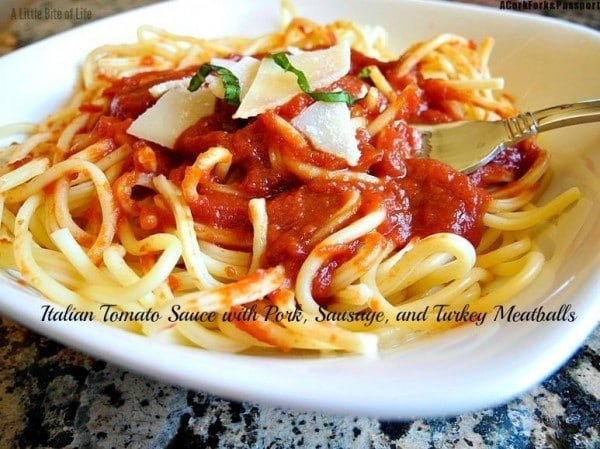 Italian-Tomato-Sauce-with-Pork-Susage-and-Meatballs-2-1