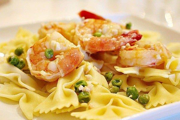 Shrimp Scampi with Peas 8
