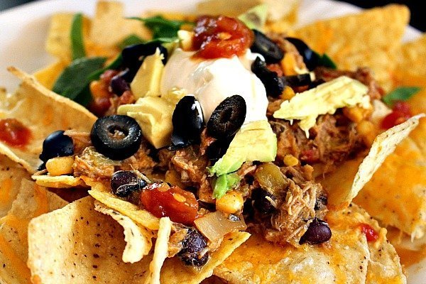 Green-Chile-Pork-Nachos-4-1