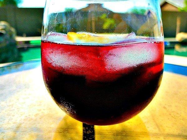 Lolailo-Sangria-Spritzer-Cocktail-2