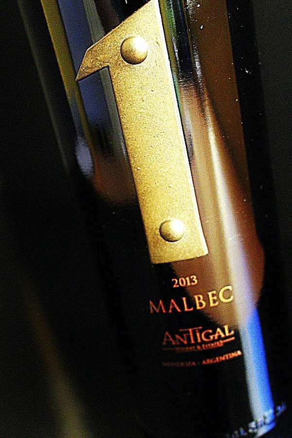 Antigal Uno Malbec 2
