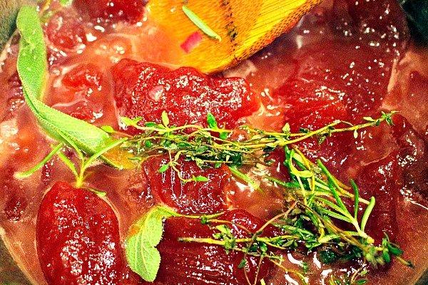 roast-turkey-with-cranberry-bourbon-glaze-4