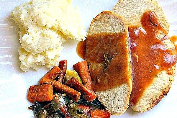 roast-turkey-with-cranberry-bourbon-glaze-9