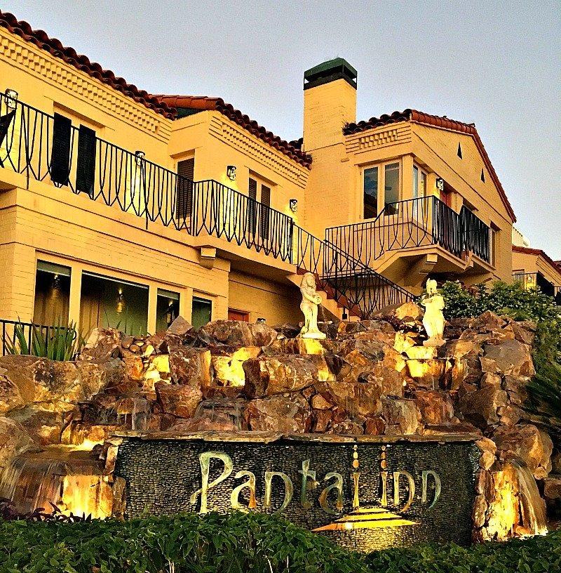 Luxe Family Getaway at Pantai Inn La Jolla44