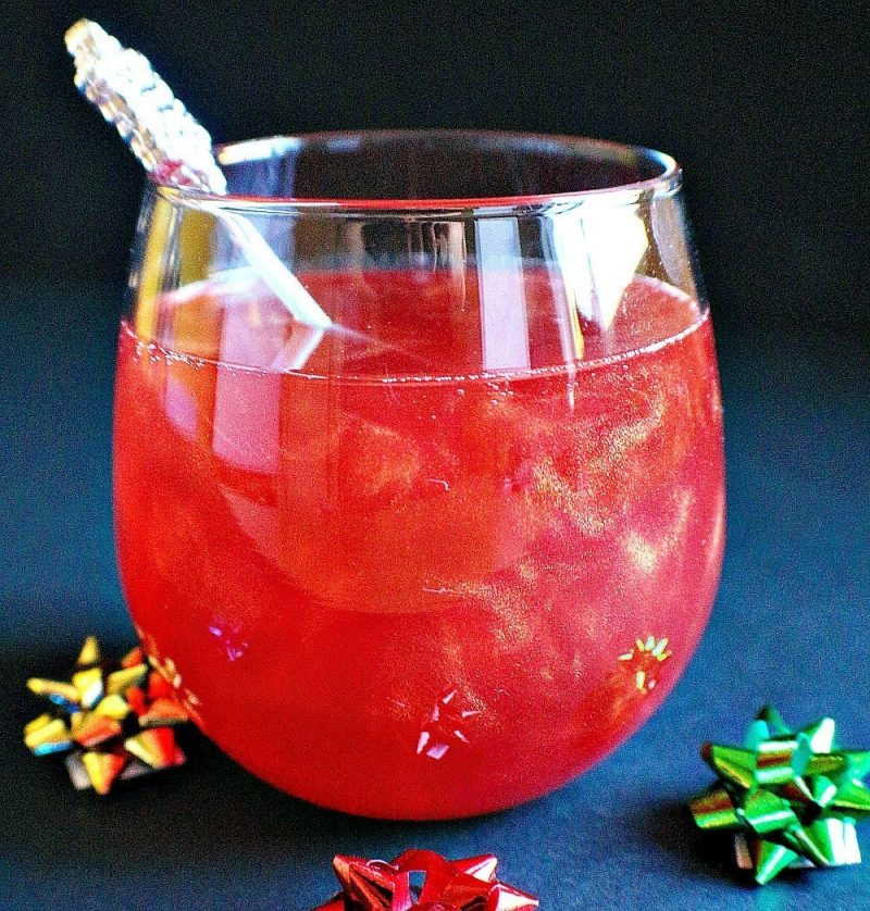Christmas Ruby French 75 Cocktail 10