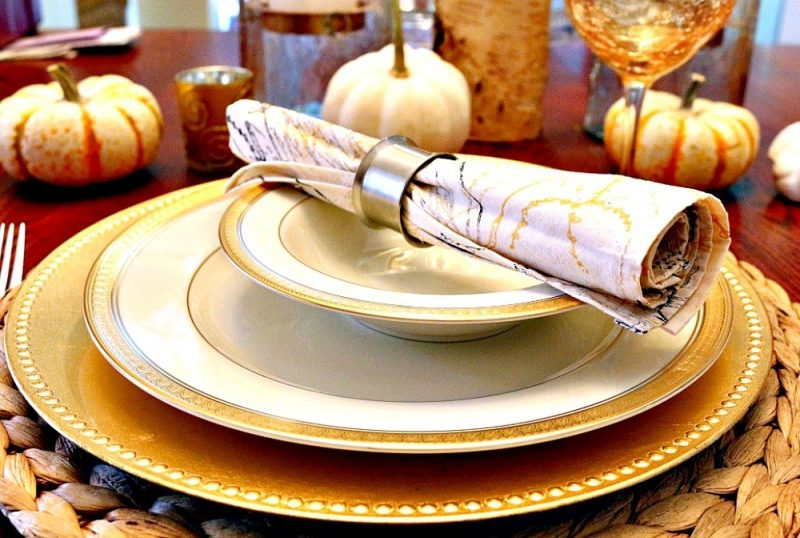 Gold & Silver Thanksgiving Tablescape10