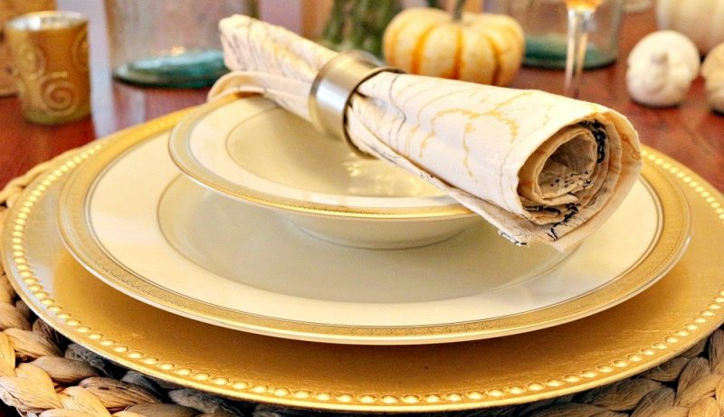 Gold & Silver Thanksgiving Tablescape4