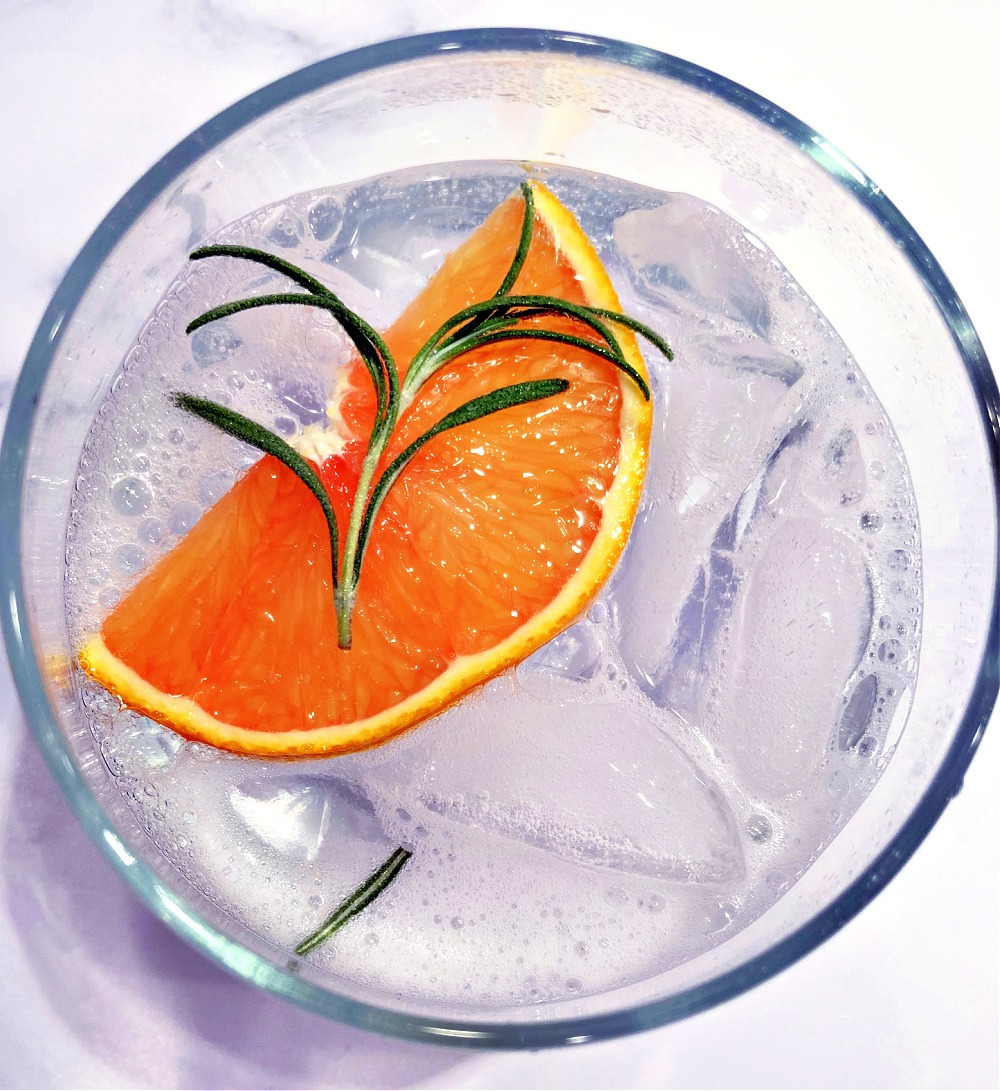 Orange Rosemary Gin andTonic Mocktail3