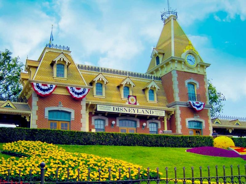 Disneyland Station1