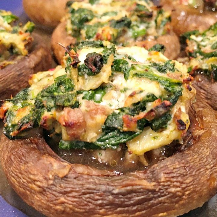 Healthy Spinach-Artichoke Stuffed Mushrooms